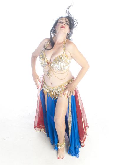 Belly Dancer Selena Kareena - American Cabaret