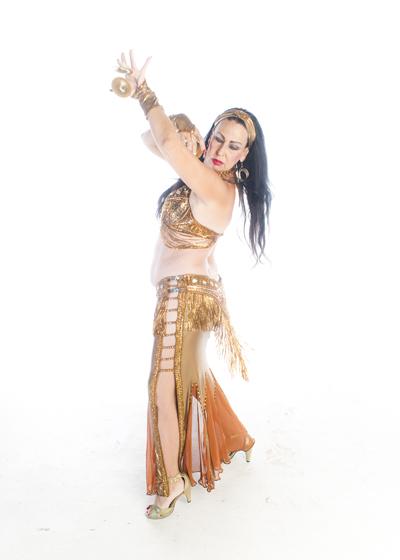 Belly Dancer Selena Kareena - Gypsy Romance